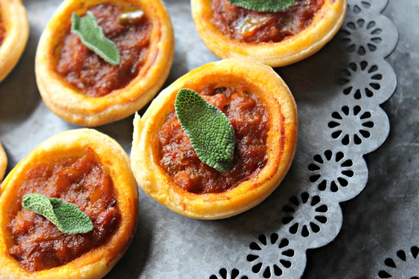 cooking, Vini and Bal's rustic Indian curry sauces, carrot  pineapple and spices tart, Indian, sauce, jeera