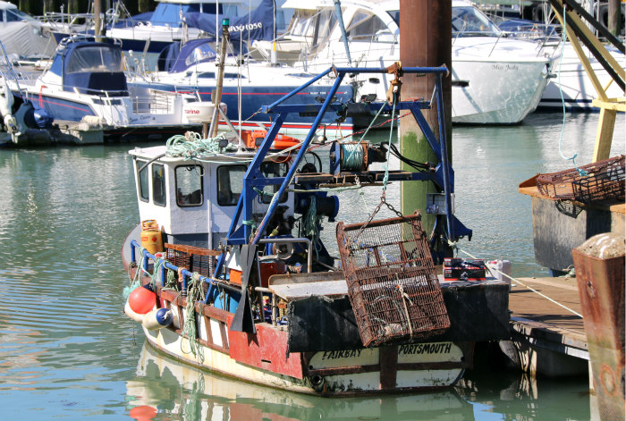 Portsmouth harbour port spice island boats 2
