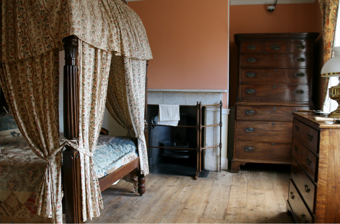 Portsmouth Charles Dickens Birthplace museum chambre 2