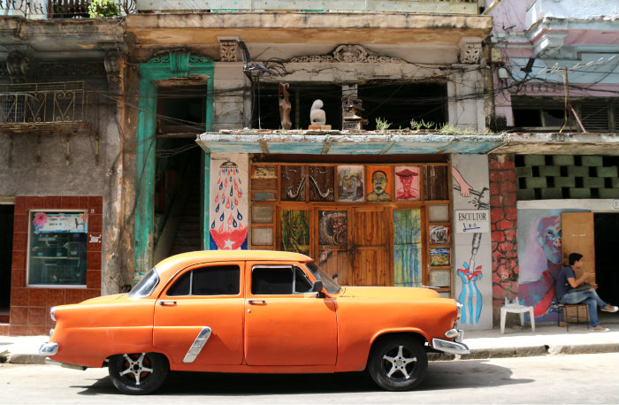 Colours of Havana - Tea Time in Wonderland