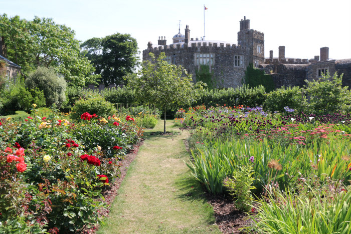 st margaret's bay kent deale walmer castle english heritage garden 8