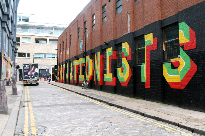 London Shoreditch street art Eine extortionist