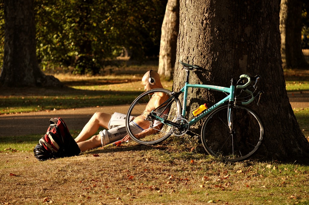 cycling in London hyde park