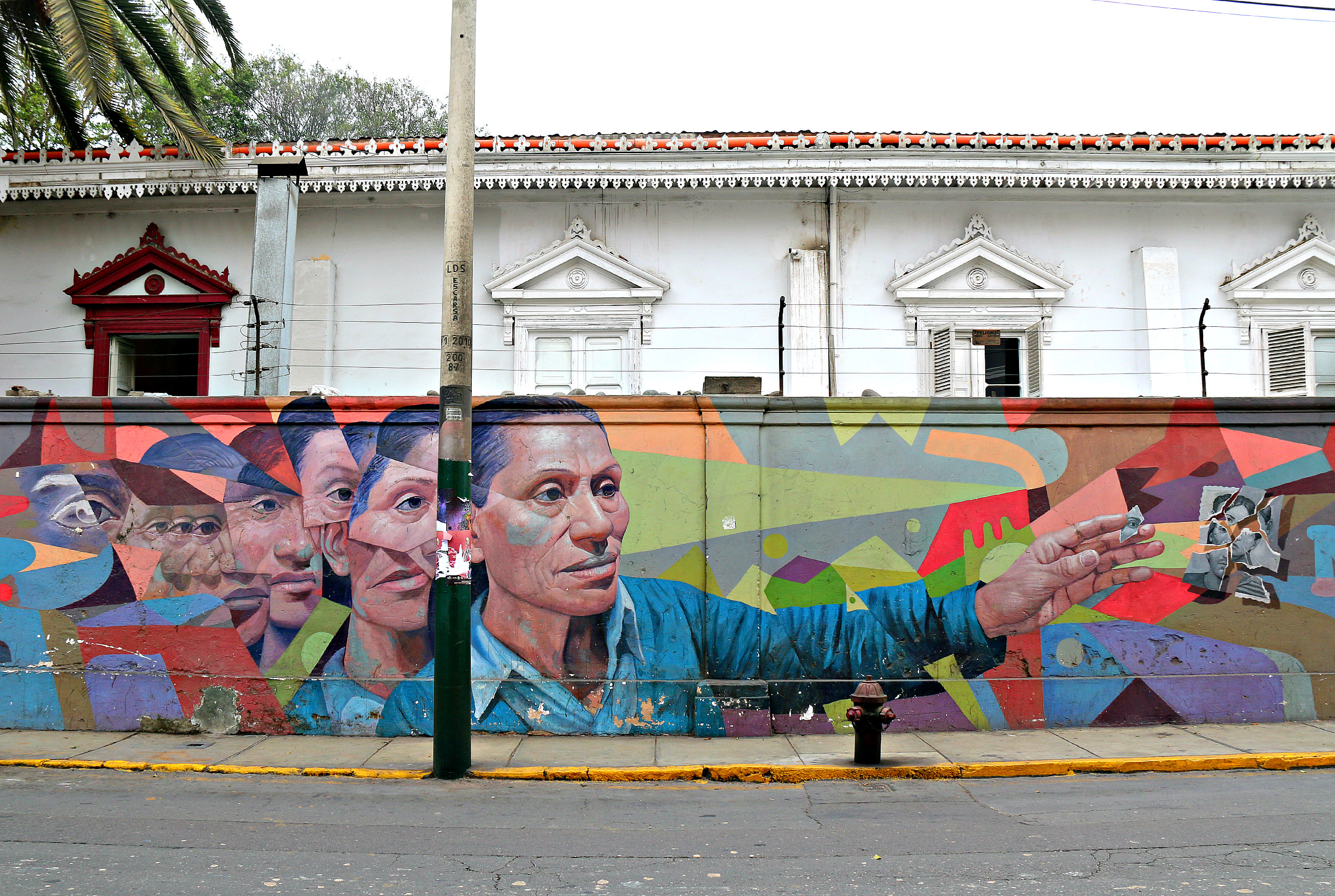 where to to find street art in Barranco, Lima on 28 de Julio Street N.N. Decertor