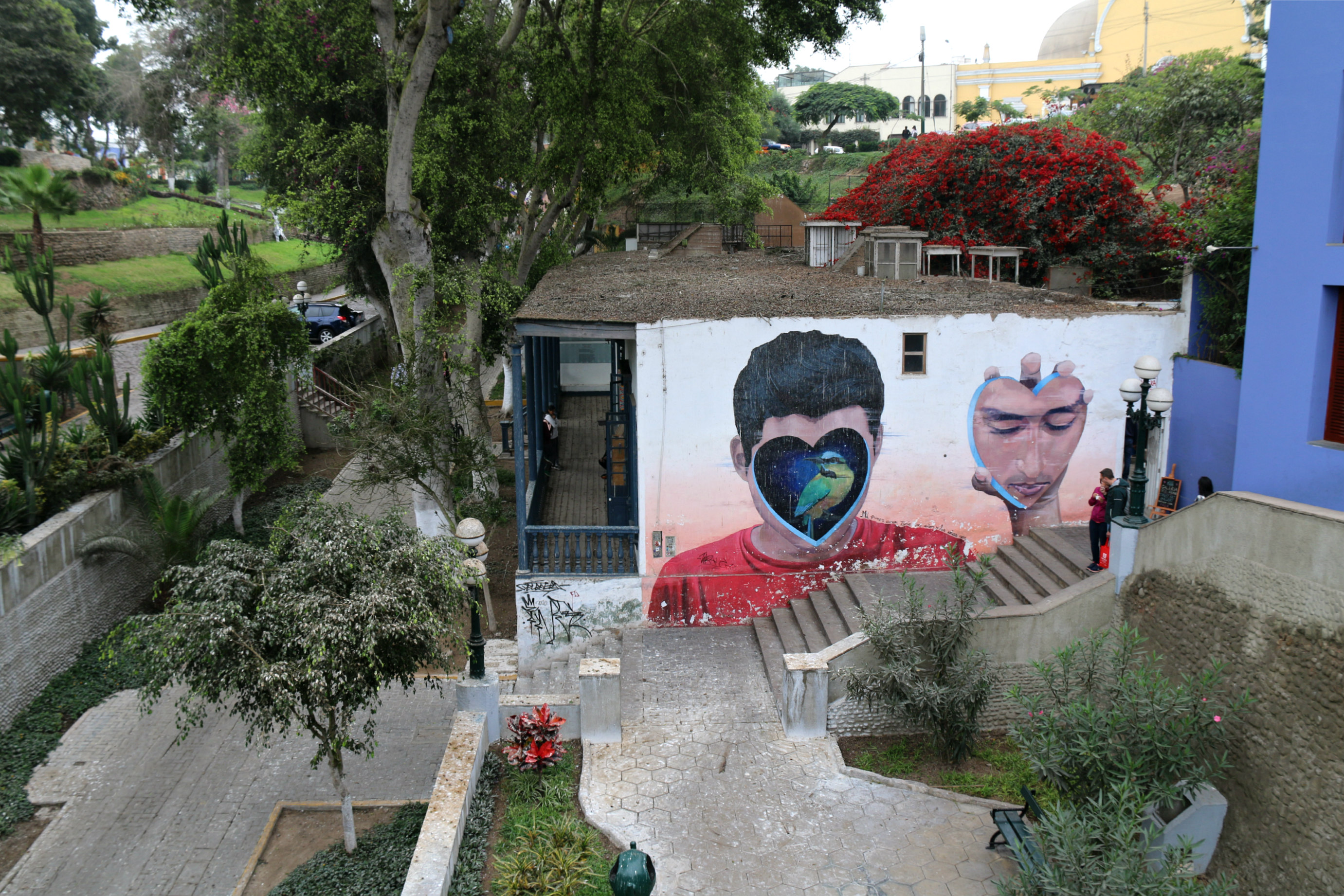where to to find street art in Barranco, Lima near the bridge of sighs Jade Rivera mural