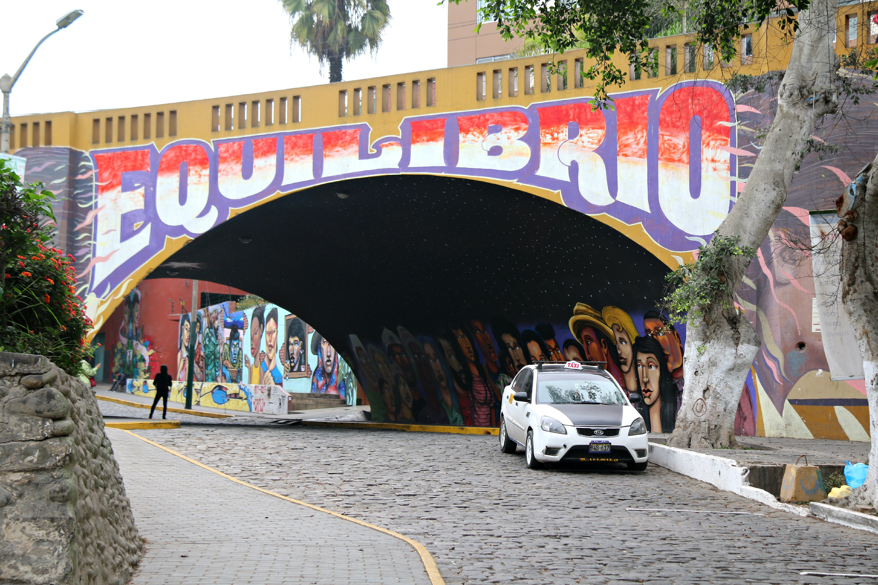 where to to find street art in Barranco, Lima Bajada de Baños Street Equilibrio by elliot tupac