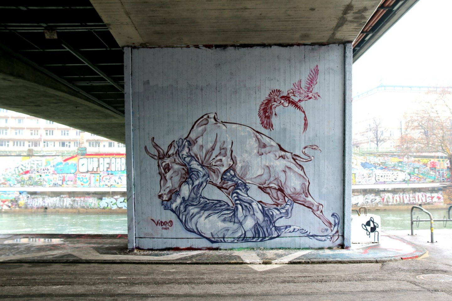 Vienna street art by the canal 20