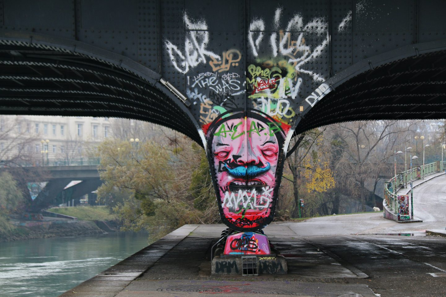 Vienna street art by the canal 25