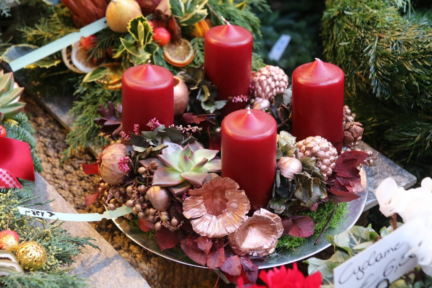 Vienna Christmas Market wreath 3
